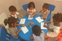 Děti dostaly díky projektu pomůcky do školy, laptopy, ochranné prostředky proti covidu a zdravotnické potřeby.