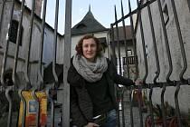"""Po 16 letech definitivně končí známá českobudějovická Galerie Pod kamennou žábou. Od města, jemuž budova patří, dostala galerie letos pouze 35 tisíc, což pokryje pouze měsíc provozu. """"Je to fakt výsměch,"""" říká galeristka Magdalena Kutišová (na snímku)."""