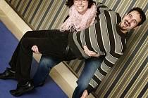 Kristýna Čepková a Adam Rut (dcera Petra Čepka a syn Přemysla Ruta) posílili jako dramaturgyně a režisér činohru Jihočeského divadla. V prosinci se představí inscenací Černé komedie.
