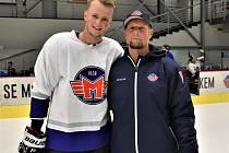 Jáchym Kondelík (vlevo) se svým otcem Romanem.