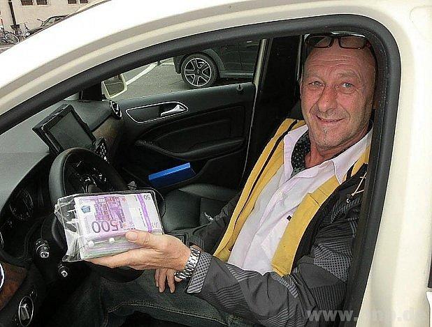 Opravdu čestný taxikář.