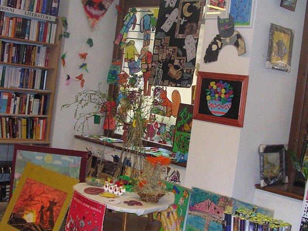 Výstava v knihkupectví.