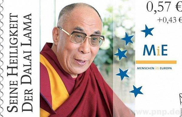 Dalajláma na obálky.