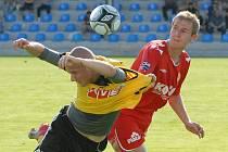 Marián Timm v Písku bojujes domácím Kosobudem: juniorka dynama ve středečním třetiligovém derby v Písku vyhrála 4:1.