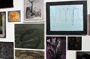V Egon Schiele Art Centru skončí 1. listopadu tři výstavy ze souboru Mysterium Šumava: díla, která vystavili Ondřej Maleček (jeho obrazy na snímku), Karin Pliem a Katharina Dietlinger. Expozice Josefa Váchala a Fotoateliéru Seidel potrvají do 31. ledna.