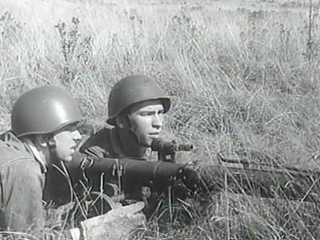 Ubazuky leží vlevo ve vojenském výcvikovém prostoru Boletice jihočeský rodák ze Sezimova Ústí František Němec.