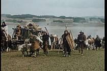 Sedláci a jejich kozy a ovce táhnou na Tábor. Za zvířata štáb vyplácel majitelům 50 korun za kus a den.