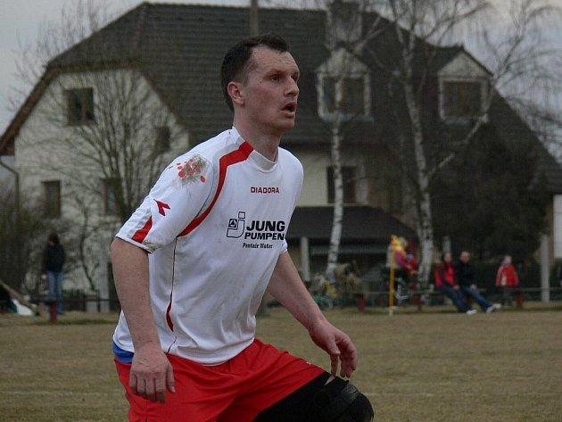 Bohumír Češka se v dresu Nové Vsi zapojil na jaře do IV. třídy na Českobudějovicku.