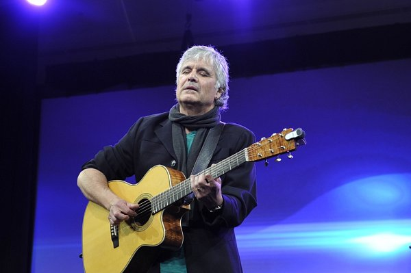 Kytarista Laurence Juber, který hrál sPaulem McCartneym vkapele Wings, zahraje 15.listopadu vTáboře.