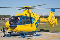 Letečtí záchranáři mají v těchto dnech náročný výcvik pro létání v noci za využití systémů pro noční vidění NVIS.