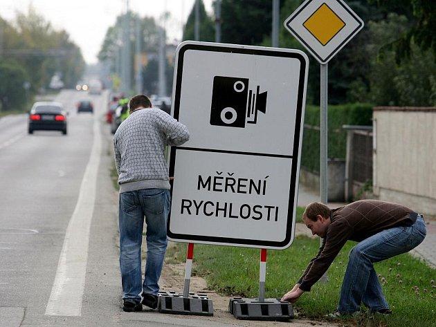 Městští policisté měřili 1. října rychlost U Hvízdala v Českých Budějovicích.