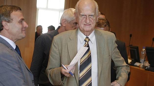 Staronovým českobudějovickým primátorem se stal Miroslav Tetter