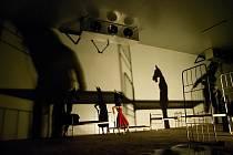 Členové Divadla Continuo a studenti vytvářeli představení Jizvy v kameni při různých dílnách, mluvili i s pamětníky.