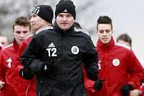 Roman Wermke (na snímku z prvního výběhu fotbalistů Dynama do Stromovky zcela vpravo) byl přeřazen do přípravy prvoligového áčka z dorostu.