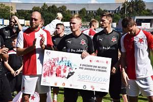 Fotbalová charitativní exhibice ve Strakonicích ve prospěch syna bývalého slávisty Petra Jandy Jakoubka.