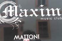 Místo incidentu, hudební klub Maxim v budějovické Biskupské ulici. Míru zavinění účastníků nyní zjišťuje soud.