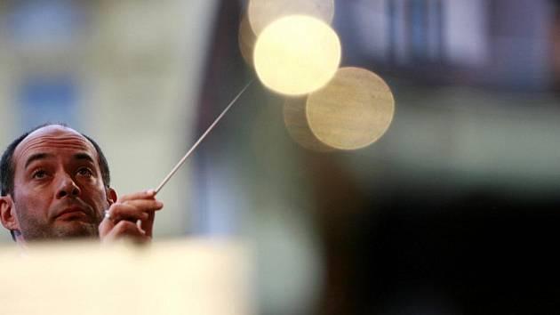 Slavnostní koncert k 30. výročí založení JKF, Jihočeské komorní filharmonie. Dirigent: Jan Talich Program: A. Dvořák - Karneval, N. Rimskij Korsakov - Šeherezáda na náměstí Přemysla Otakara II.v Českých Budějovicích.