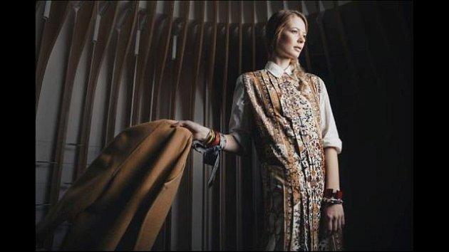 Magdalena Starková líčila ipro módní kampaň Hermés.