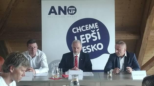 Jihočeské ANO zveřejnilo svou kandidátku s 55 jmény, míří s ní do říjnových krajských voleb.