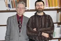 Jiří Chvojka (vlevo) se synem Ondřejem. Oba jsou historici.