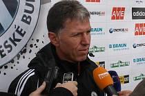 Jaroslav Šilhavý vedl na dynamu už středeční trénink a po něm odpovídal na dotazy Deníku.