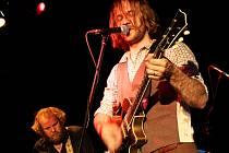 Táborská skupina Please Thee Trees vydává třetí album s názvem A Forrest Affair.