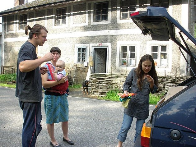 Marie Prodanová Hrečínová jezdí za rodinami postiženými povodněmi