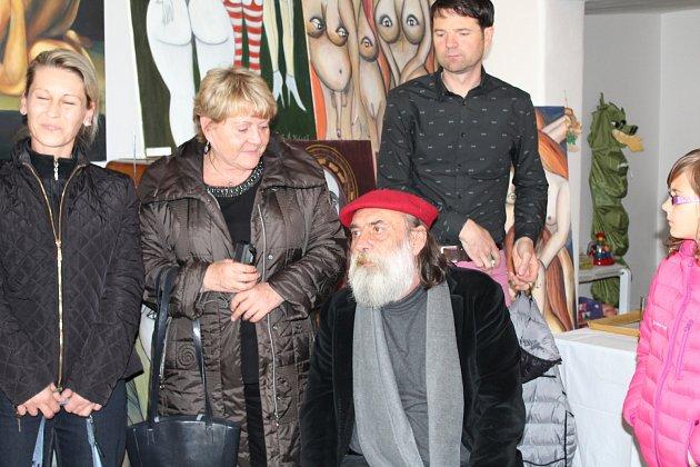 V boršovské knihovně měl dnes vernisáž Emil Stanislav Kolařík, malíř a sochař z Plané, který byl jediným žákem Jana Zrzavého.