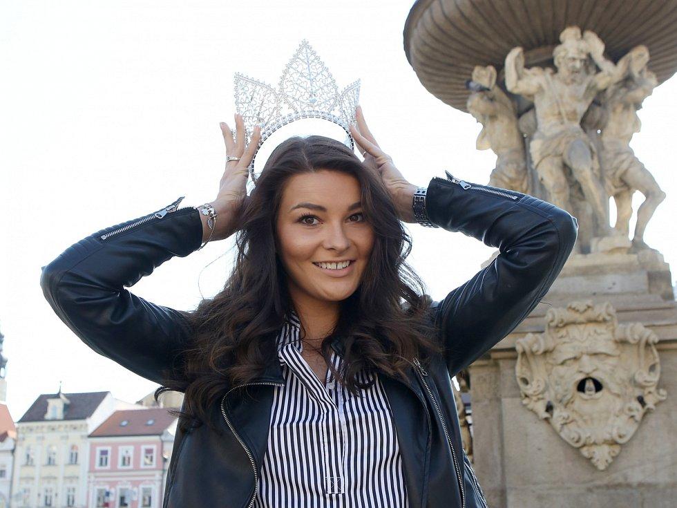 Nikol Švantnerová se od získání titulu Miss dostala poprvé domů do Českých Budějovic