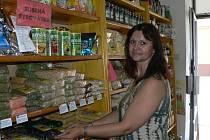 Biopotraviny lze koupit ve specializovaných obchodech, nabízí je ale i supermarkety.