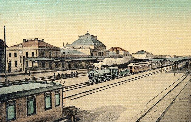 Budějovické nádraží po roce 1909.