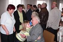 V Horní Stropnici si slavnostním obřadem a zápisem připomněli v sobotu diamantové, šedesáté, výročí svatby Marie a Michal Pazůrovi ze Světví.