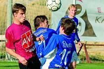 Dvě velké šance měl v sobotu Michal Mašát (bojuje s náchodským Moníkem), poprvé ale dal břevno, poté neproměnil penaltu.