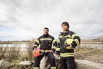 Při hasičském výcviku.