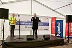 Ředitelství silnic a dálnic zahájilo v pátek 29. března výstavbu dálnice D3 v úseku Hodějovice - Třebonín.