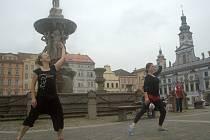 Tanečníci z Kredance se představili na náměstí.