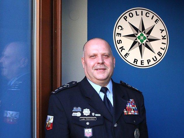 Novým ředitelem Krajského ředitelství policie Jihočeského kraje se stal od 1. 12. plukovník Luděk Procházka, budějovický rodák.