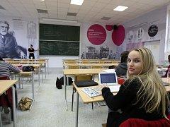Nová tematická učebna nyní slouží studentům ekonomické fakulty.