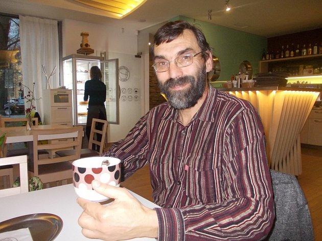 S aktivními seniory pracuje František Batysta. Vyzpovídali jsme jej v českobudějovické Kavárně LANNA.
