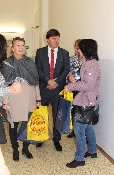 Střední zdravotnická škola a Vyšší odborná škola zdravotnická České Budějovice pořádaly první celostátní konferenci vyučujících oboru zubní technik, zubních techniků a dalších odborníků.