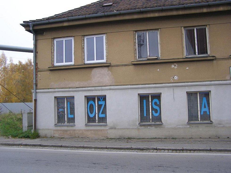 DNES: Obchod Josefa Kramáře v Mladém v roce 2011.