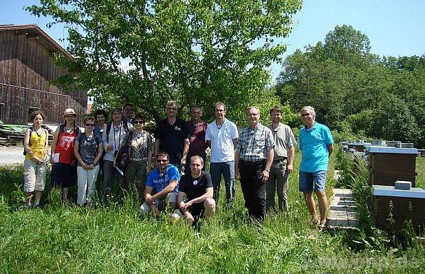 Budějovičtí včelaři na návštěvě.