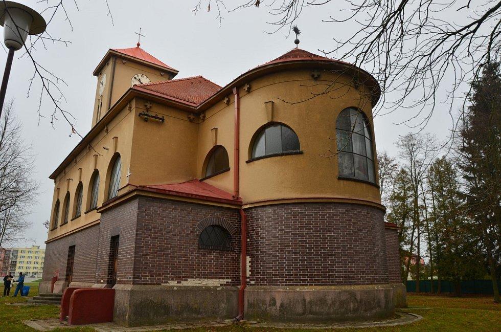 Nově prohlášené památky v jižních Čechách. Patří mezi ně i kostel v Č. Velenicích.