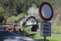 Houdkův most přes Malši nedaleko Pořešína.