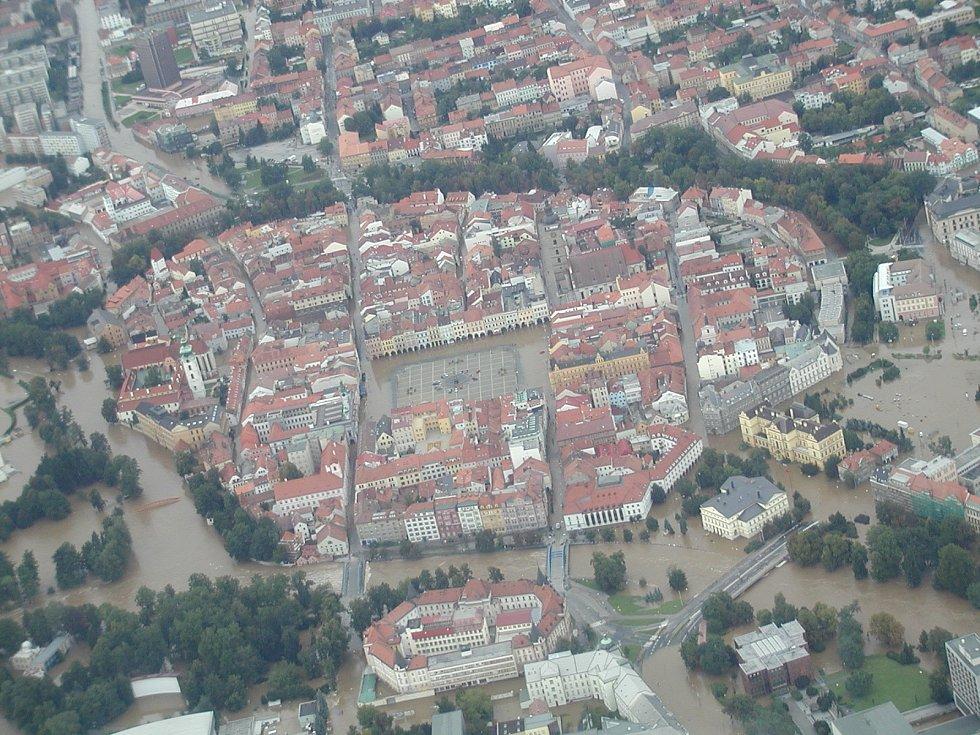 Jihočeský kraj v srpnu roku 2002 zasáhly dvě povodňové vlny. Zemřelo devět lidí a katastrofa napáchala škody za šestnáct miliard korun.
