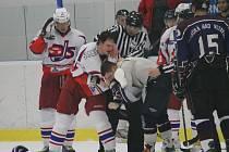 Hokejisté David servisu v derby s Hlubokou nepřipustili překvapení, vyhráli 6:3.
