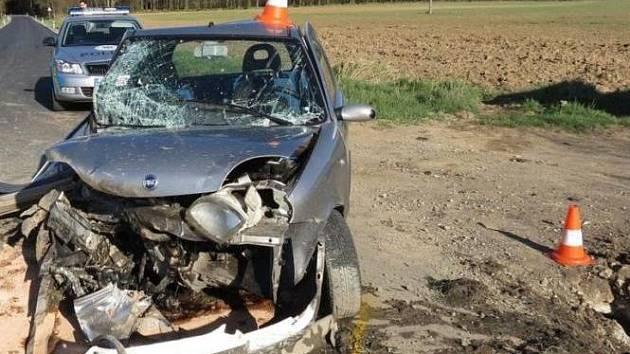 Smrtí spolujezdkyně končila nehoda u Branišova na Budějovicku. Havárie se stala minulé úterý odpoledne, 83letá žena předevčírem podlehla v nemocnici následkům těžkých zranění.