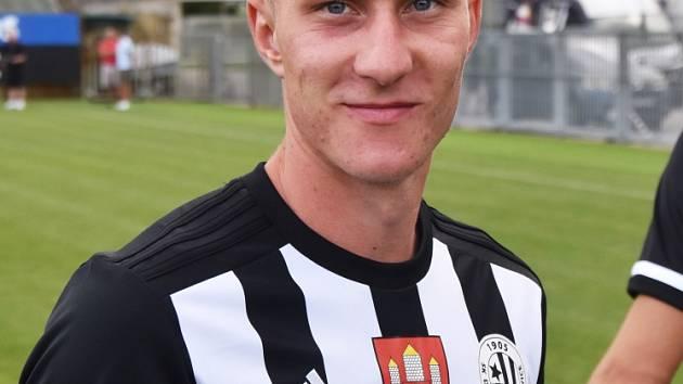 Lukáš Matějka zvýšil v Ostravě svým prvním gólem v I. lize náskok Dynama na 2:0.
