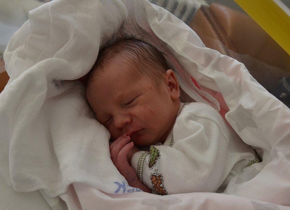 Antonín Vávra ze Stehlovic. Syn Karly a Karla Vávrových se narodil 5. 12. 2020 ve 20.53 hodin. Při narození vážil 3400 g a měřil 51 cm. Doma brášku přivítali sourozenci.