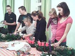 Adventní tvořivé dílny si pro Stropnické připravili ve spolupráci s obcí místní skauti.